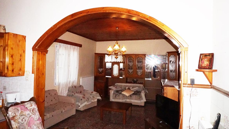 Georgioupolis 4 bedrroms house with plot for sale.