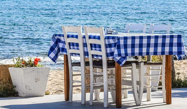 Living in Chania Property Guide - Nea Chora Taverns