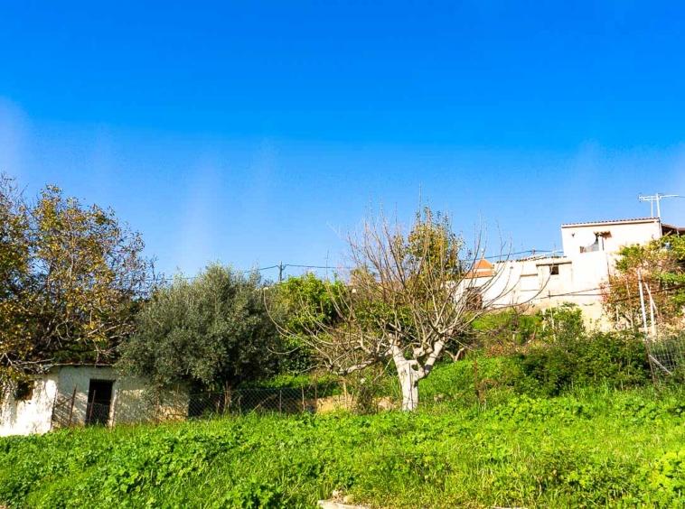 Kirtomados plot for sale, a property near Agia Lake