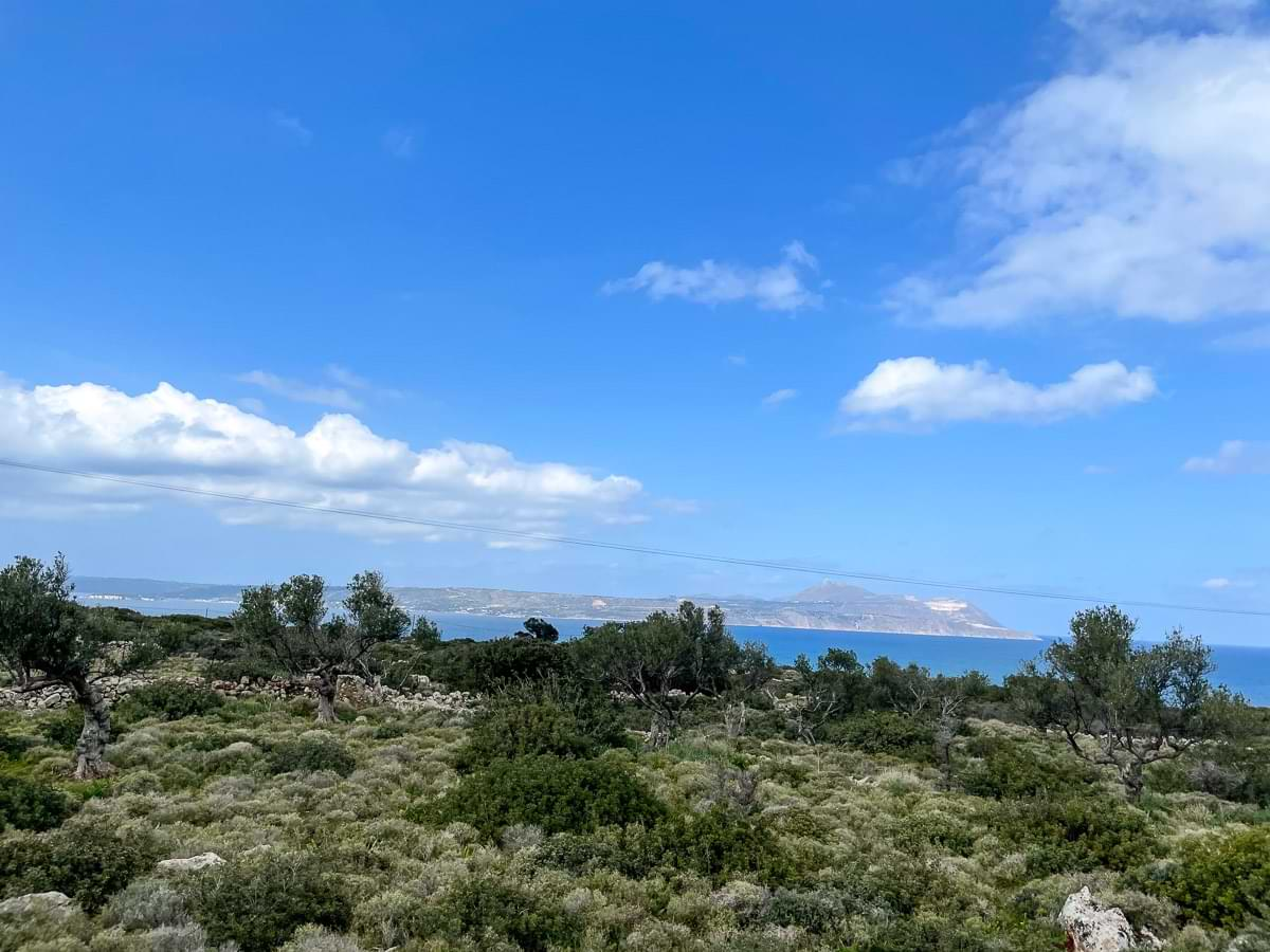Kokkino Chorio Plot for Sale. Apokoronas property for sale for a commercial or residential investment.